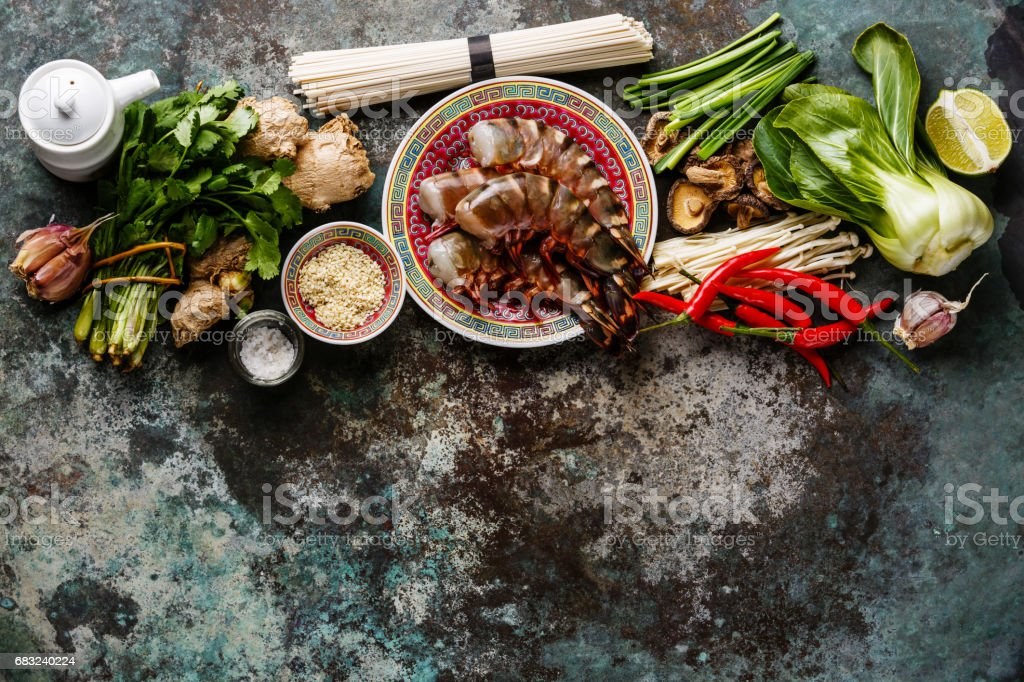Ingredients for cooking Asian food with shrimps, noodles, mushrooms royalty-free 스톡 사진