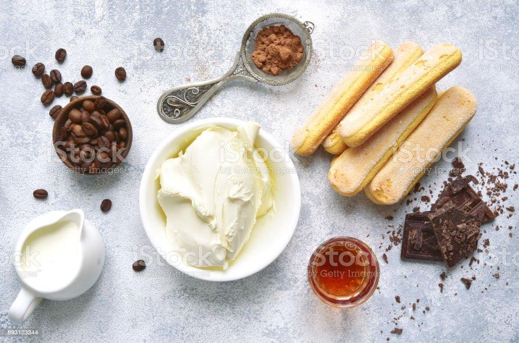 Zutaten für die Herstellung von Dessert tiramisu – Foto