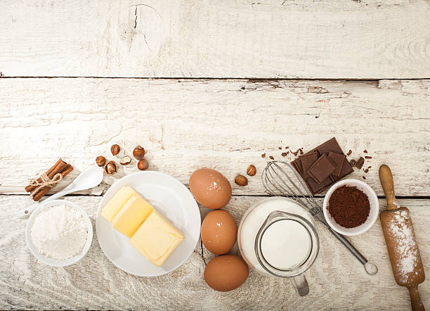 ingredients for the preparation of bakery products - een taart bakken stockfoto's en -beelden