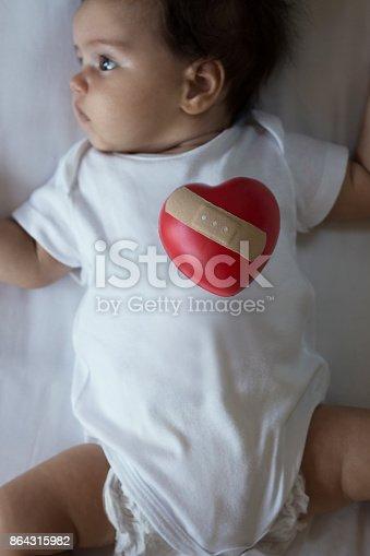 1035479448 istock photo Injured Newborn 864315982