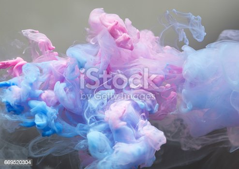 istock Ink cloud in the water 669520304