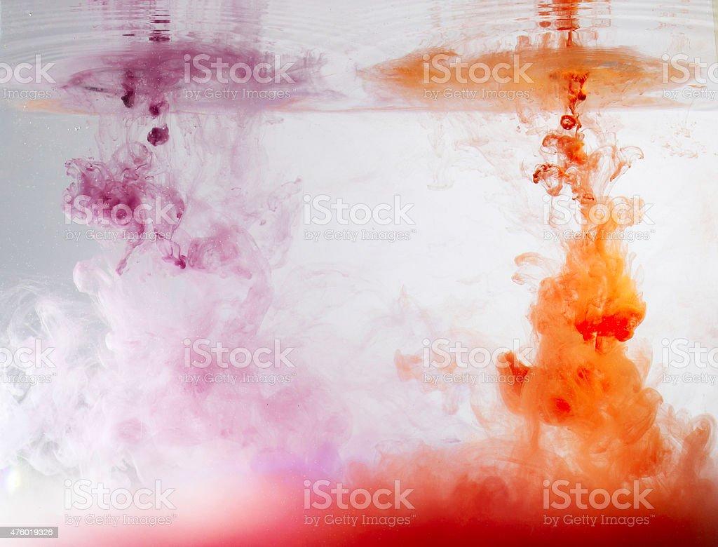 Tinte im Wasser – Foto