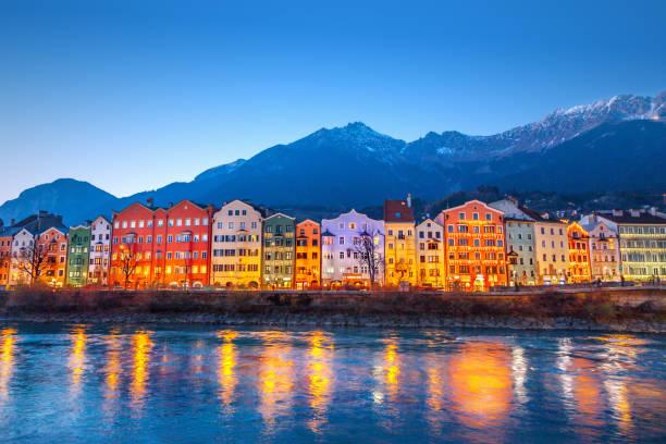stadtansicht von innsbruck, österreich - hotel alpenblick stock-fotos und bilder