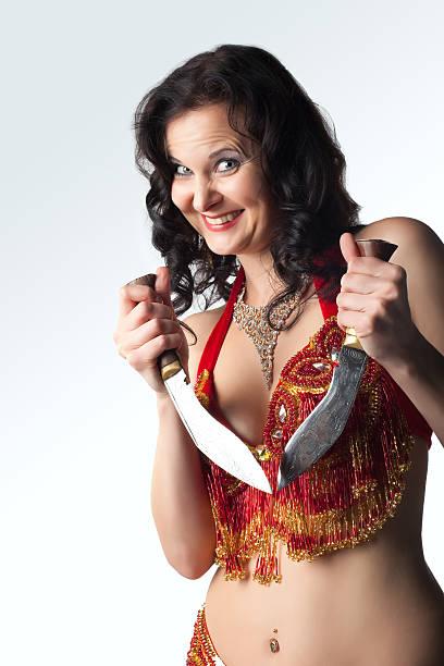 Unglaubliche Frau mit Messer Lächeln – Foto