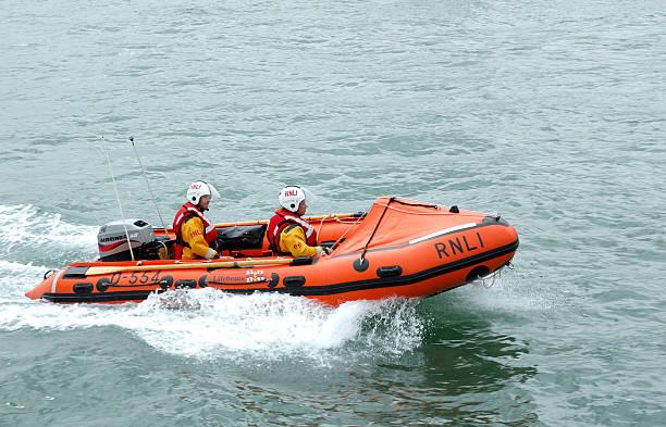 rnli inshore life boat - livbåt bildbanksfoton och bilder