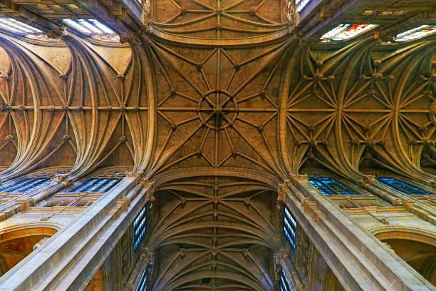 inside medieval gothic rooftop archs of saint-eustache church - paris, france - saint eustache church foto e immagini stock