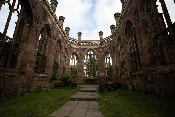 Inside of Bombed Out Church, St Luke es Church, Liverpool – Foto