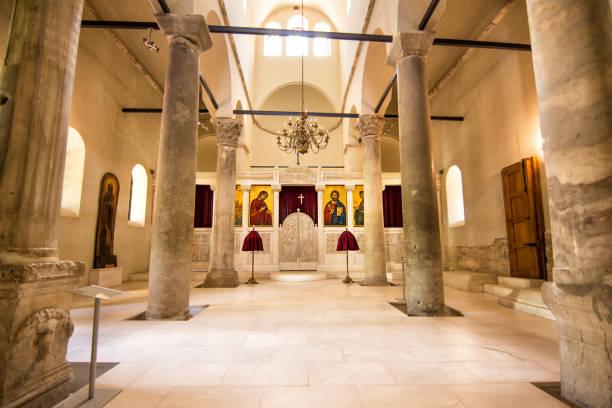 Im Inneren der Kirche der Heiligen vierzig Märtyrer in Veliko Tarnovo, Bulgarien – Foto