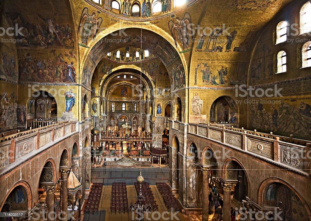 Lint rieur de la basilique saintmarc et venise italie photos et plus d 39 images de arche istock - Cristaux de soude saint marc ...