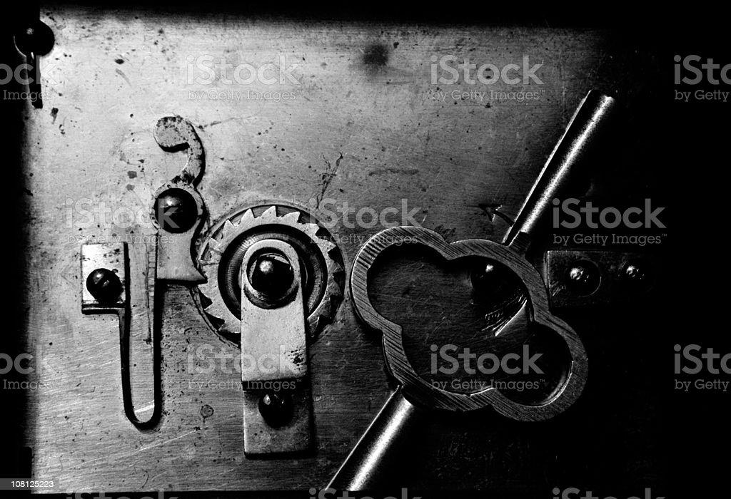 Insides de un antiguo reloj de conclusión - foto de stock