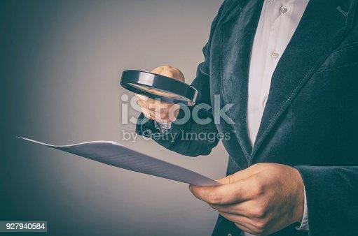 istock Inspector 927940584
