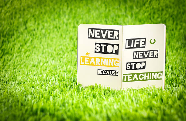 inspiration quote, never stop learning because life never stop t - grüne zitate stock-fotos und bilder