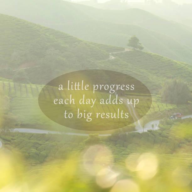 Inspirational motivierende Zitate über Natur Hintergrund. Ein wenig Fortschritte jeden Tag fügt bis zu großen Ergebnissen – Foto