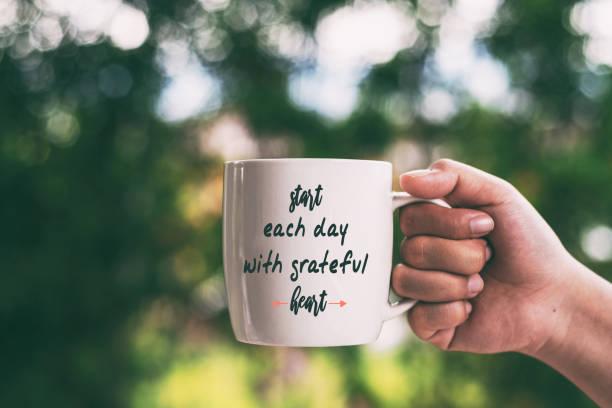 inspirierende zitate-jeden tag mit dem herzen - danke zitate stock-fotos und bilder