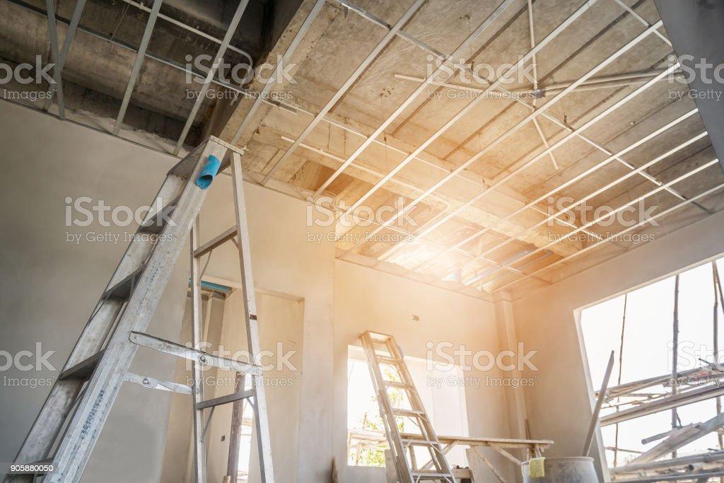 Installer Une Ossature Métallique Pour Plafond Conseil En Plâtre à ...