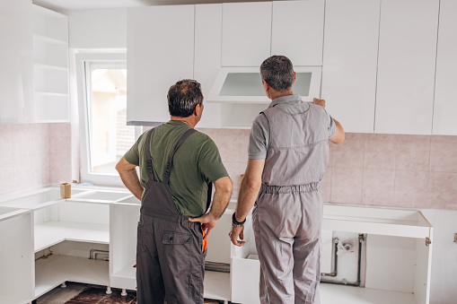 Installation of a new kitchen in the apartment
