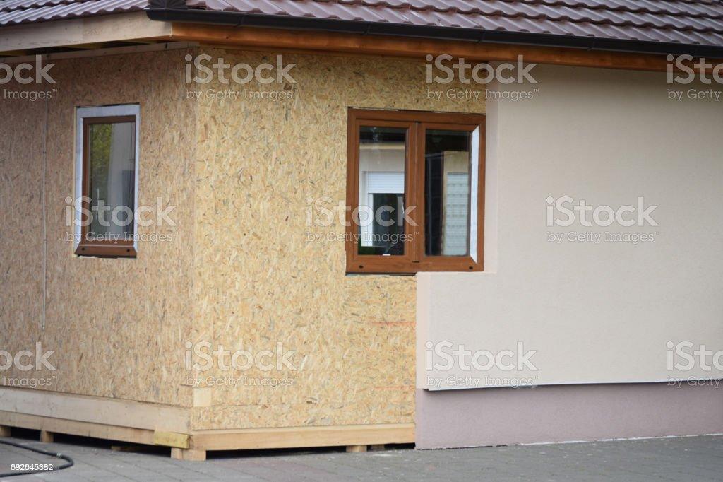 Einbau Von Fenstern Und Verkleidung Wände Mit Styropordämmschicht ...