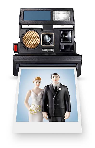 instant für das leben. foto von wedding cake topper. - tortenfiguren stock-fotos und bilder