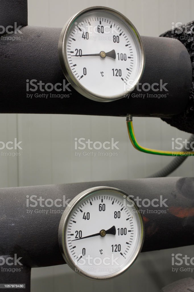 Instrument of measurement for temperature of the industrial unit of...