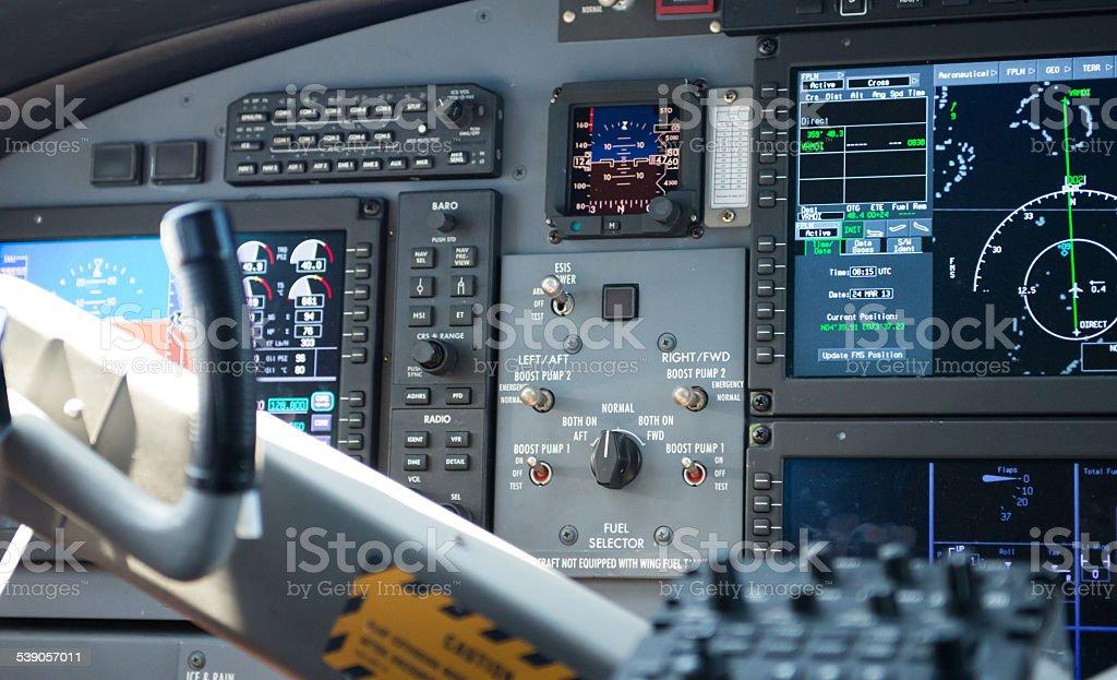 Instrumente in Flugzeug Cockpit stock photo
