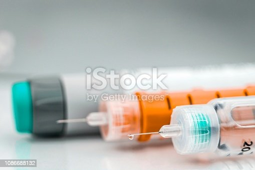 Insulin injection needle or pen for use by diabetics