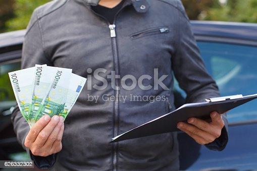 936987338 istock photo Insurance agent 626332302