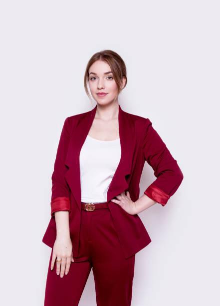 intelligente jonge zakenvrouw dragen van smart casual kleding mooie vertrouwen succesvolle - men blazer stockfoto's en -beelden