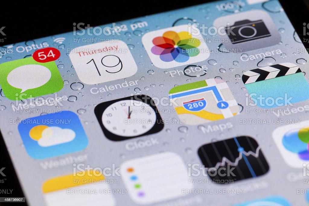 Interfaz De Ios 7 En Un Iphone 4 Foto de stock y más banco de imágenes de  Actualización de software - iStock