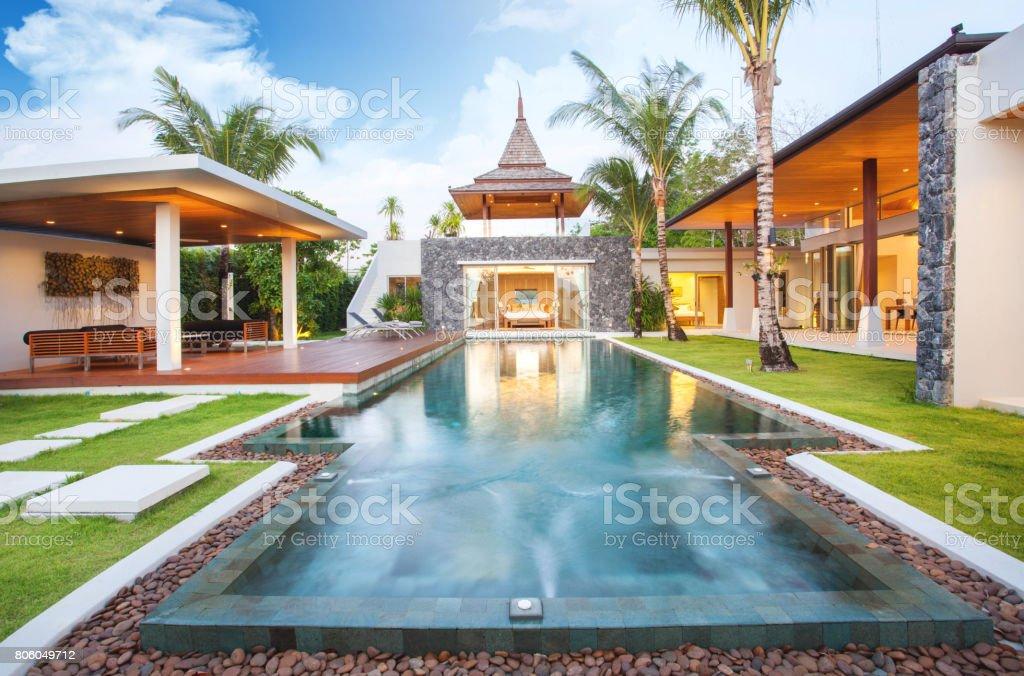 Interieur Und Exterieur Design Pool Villa Mit Wohnbereich ...