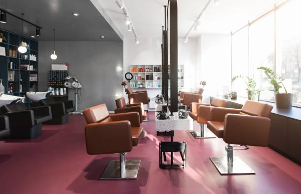 innen-schönheitssalon, ort für make-up-künstler, friseur - schönheitssalon stock-fotos und bilder