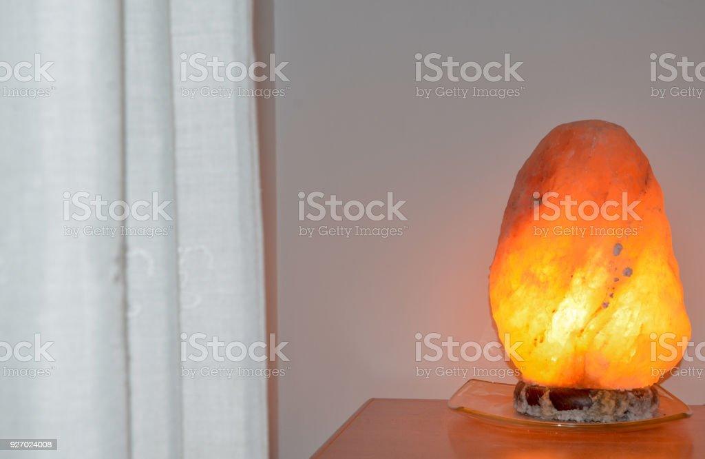 Interior Design Und Salzlampe Im Schlafzimmer Stockfoto und ...
