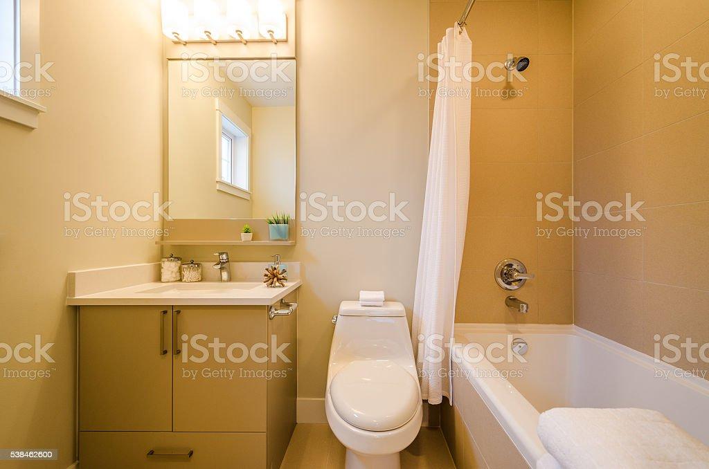 Innenausstattung Des Eine Schöne Badezimmer Stockfoto und mehr ...