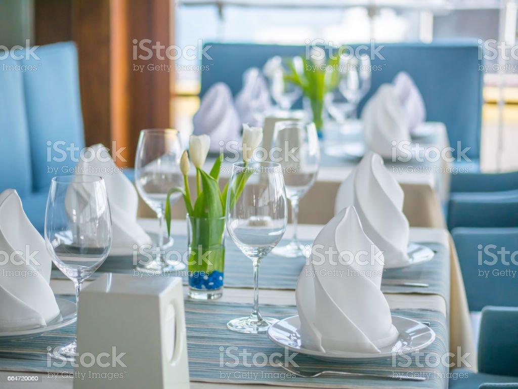 Interior Design Für Ein Schönes Restaurant Im Marinestil Stock ...