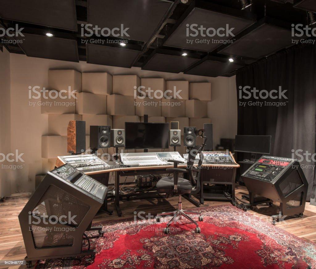 Interior Design des leeren Tonstudio mit Ausrüstung – Foto
