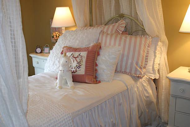 série de design de interiores - unicorn bed imagens e fotografias de stock