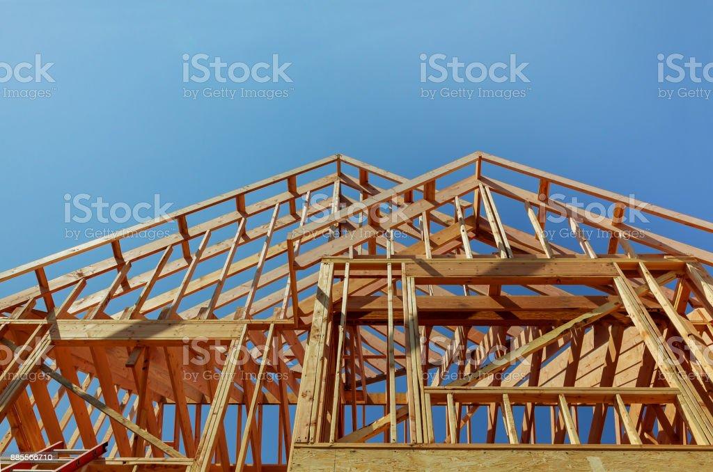 건설 중인 새 집의 내부 프레임 - 로열티 프리 가정 생활 스톡 사진