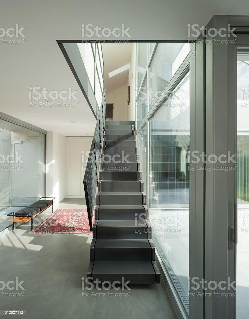 Escalier Interieur Maison Moderne photo libre de droit de lintérieur dun fer et dune maison