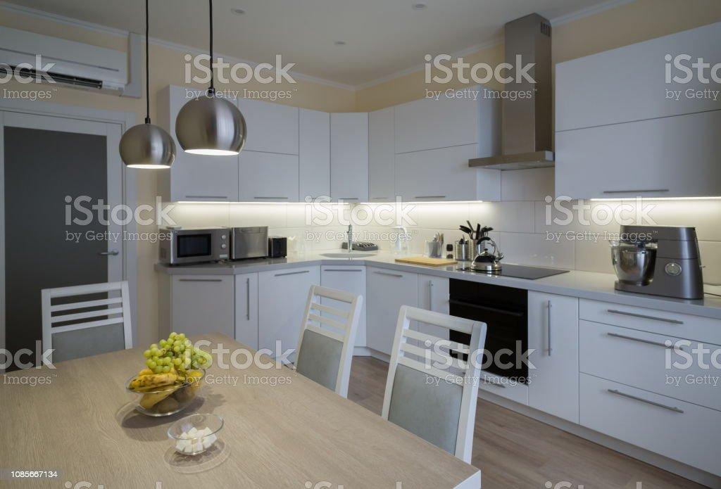 Innenraum Küche Modern Weiß Grau Beige Farbe Stockfoto und ...