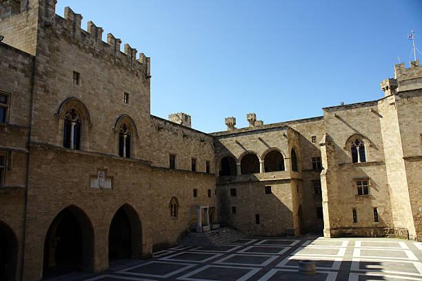 Innenraum eines mittelalterlichen Burg In Insel Rhodos – Foto