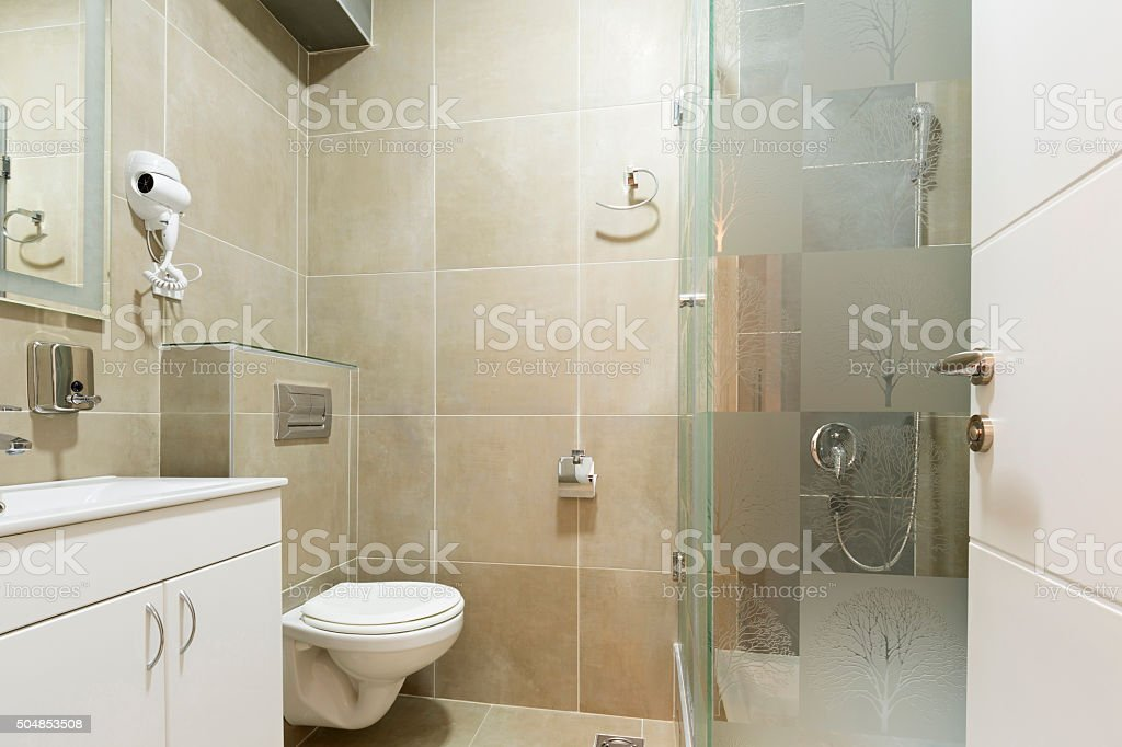 Sala Da Bagno Lusso : Interno di una moderna sala da bagno fotografie stock e altre