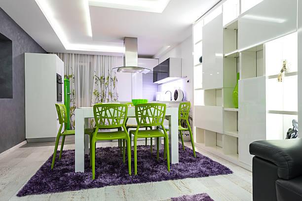 innenraum eines modernen restaurants - küche deko lila stock-fotos und bilder