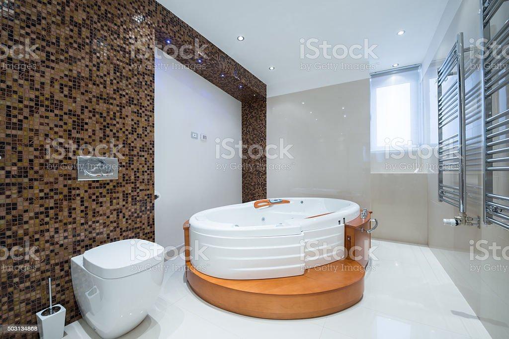 Photo de stock de Intérieur Moderne Dune Salle De Bains De Luxe Avec ...