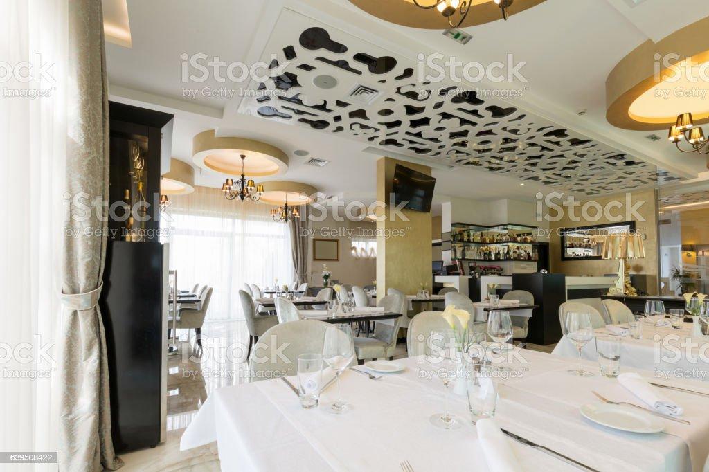 Interior Of A Modern New Hotel Restaurant Stockfoto und mehr ...