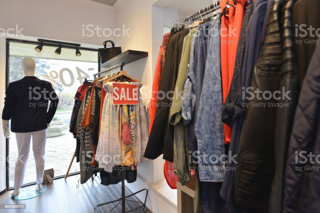 cb780b77ee1 Interior of a store selling women s clothes and accessories foto stock  royalty-free