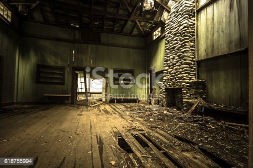 istock Interior Of Abandoned Vintage Vacation Home 618755994