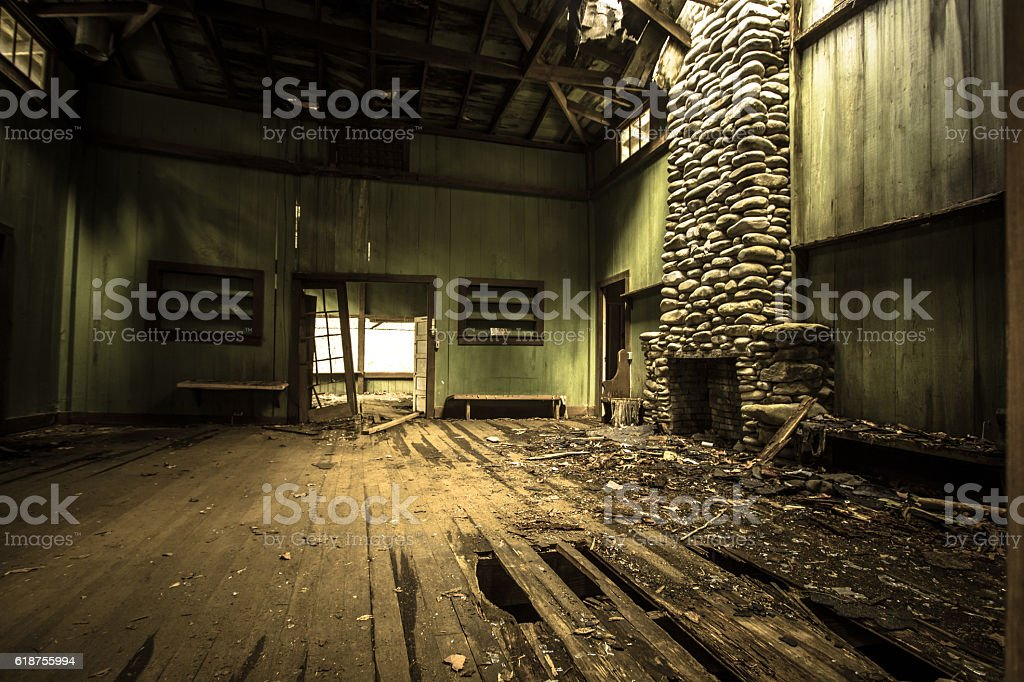 Interior Of Abandoned Vintage Vacation Home – Foto