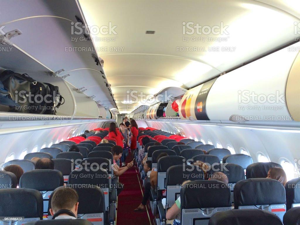 intrieur de cabine airasia airbus a320 200 airasia berhad est une compagnie low