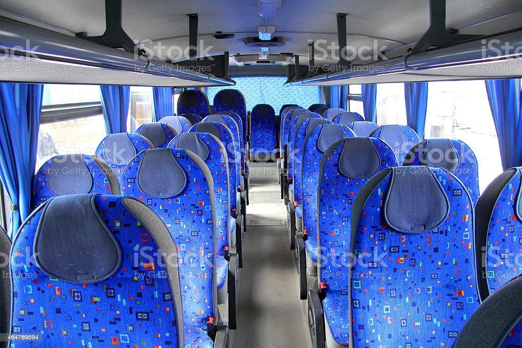 Interior de un entrenador interurban - foto de stock