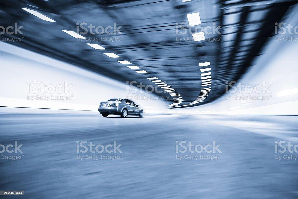 Innenraum eines urbanen tunnel – Foto
