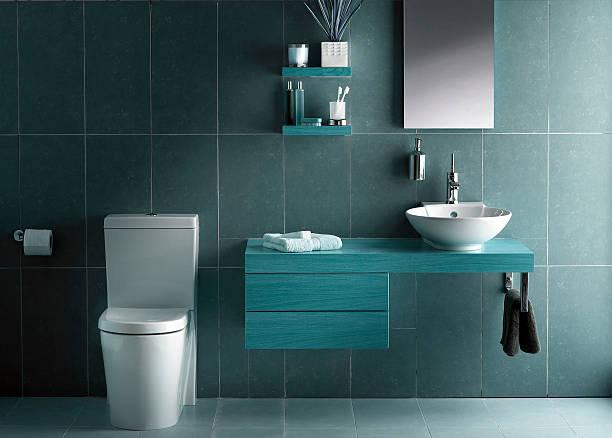 Innenansicht Badezimmer in kühlen Farbtönen – Foto